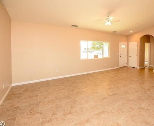 Closed | 11093 First Avenue Hesperia, CA 92345 22