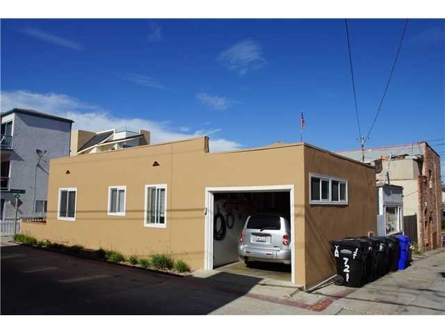 Closed | 715 W Tangiers Court  San Diego, CA 92109 2