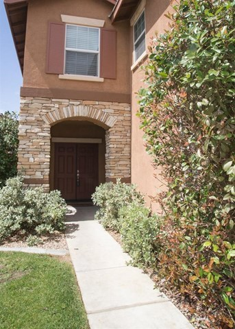 Closed | 14331 Moon Valley Street Victorville, CA 92394 1