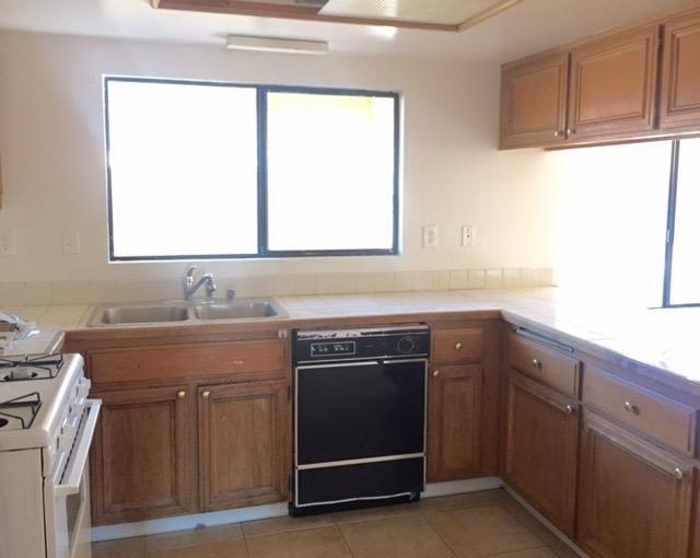 Closed   13637 Sandstone Drive Victorville, CA 92392 4