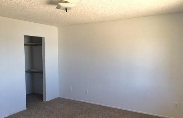 Closed | 17824 Pitache Street Hesperia, CA 92345 17