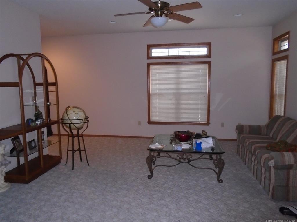 Off Market | 222 SE 15th Court Pryor, Oklahoma 74361 2