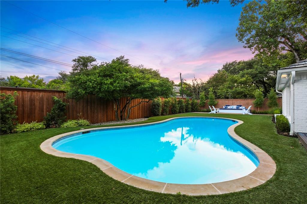 Housed Real Estate + Relocation  | 6878 Mossvine  Circle Dallas, TX 75254 34