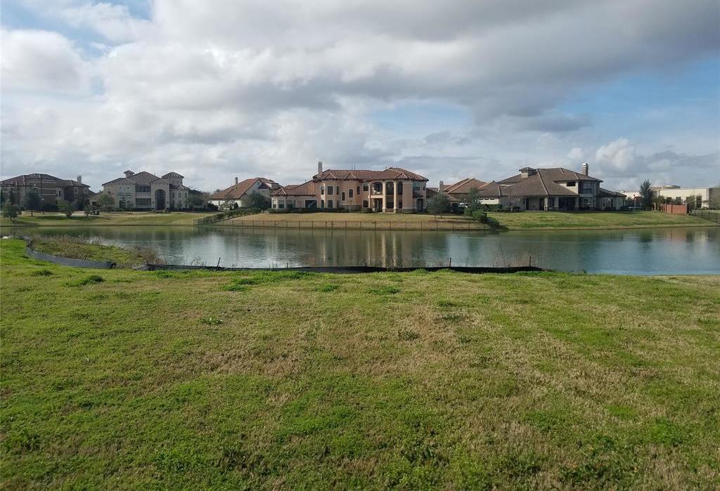 Active | 31 Riverstone Island Drive Sugar Land, TX 77479 1