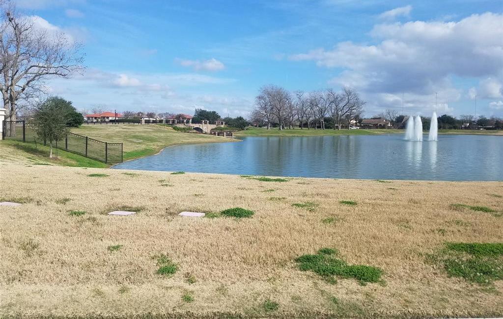 Active | 31 Riverstone Island Drive Sugar Land, TX 77479 11