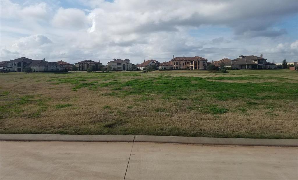 Active | 31 Riverstone Island Drive Sugar Land, TX 77479 9