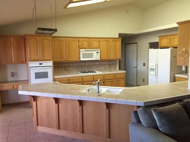 Closed   20936 Rancherias Road Apple Valley, CA 92307 5
