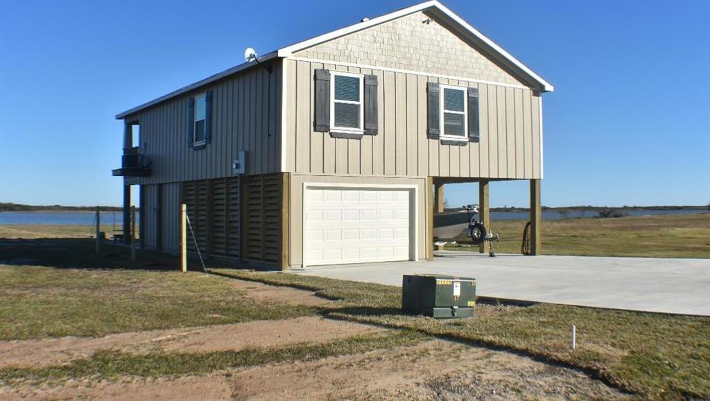 Active | 1207 Bay Drive Drive Palacios, TX 77465 4