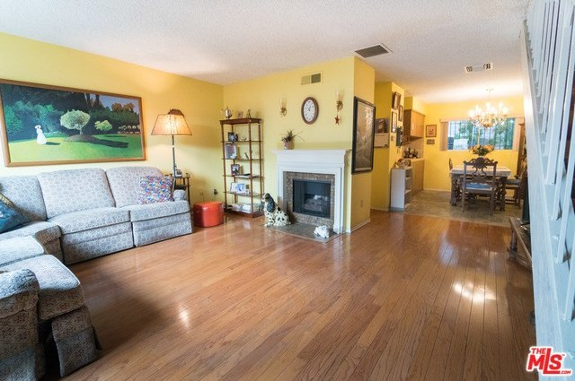 Closed   3314 GRIFFITH PARK  #2 Los Angeles, CA 90027 1