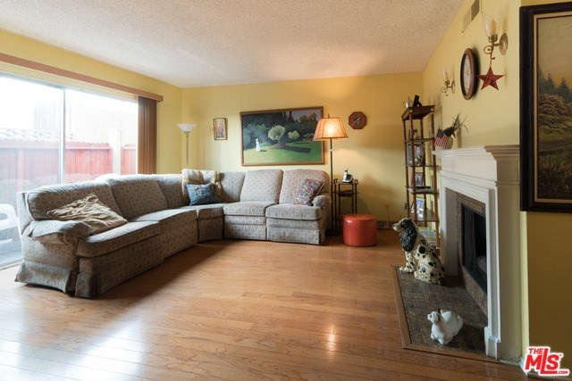 Closed   3314 GRIFFITH PARK  #2 Los Angeles, CA 90027 2