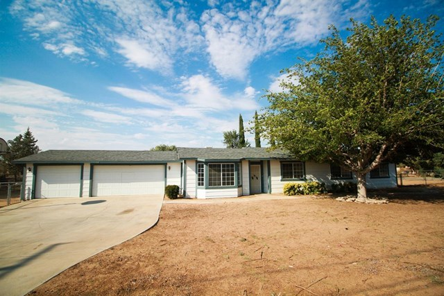 Closed | 17584 Willow Street Hesperia, CA 92345 1