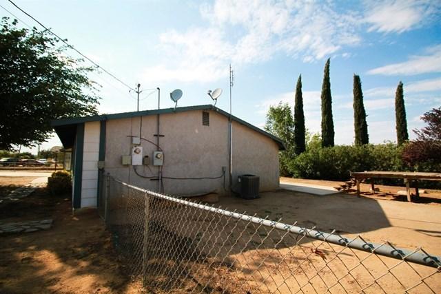 Closed | 17584 Willow Street Hesperia, CA 92345 4