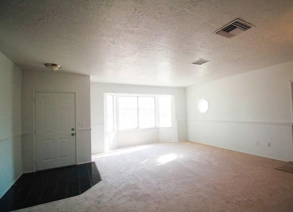 Closed | 17584 Willow Street Hesperia, CA 92345 6