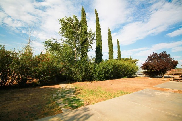 Closed | 17584 Willow Street Hesperia, CA 92345 23