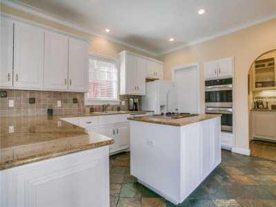 Sold Property | 6956 Lakewood Boulevard Dallas, Texas 75214 12