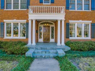 Sold Property | 6956 Lakewood Boulevard Dallas, Texas 75214 3