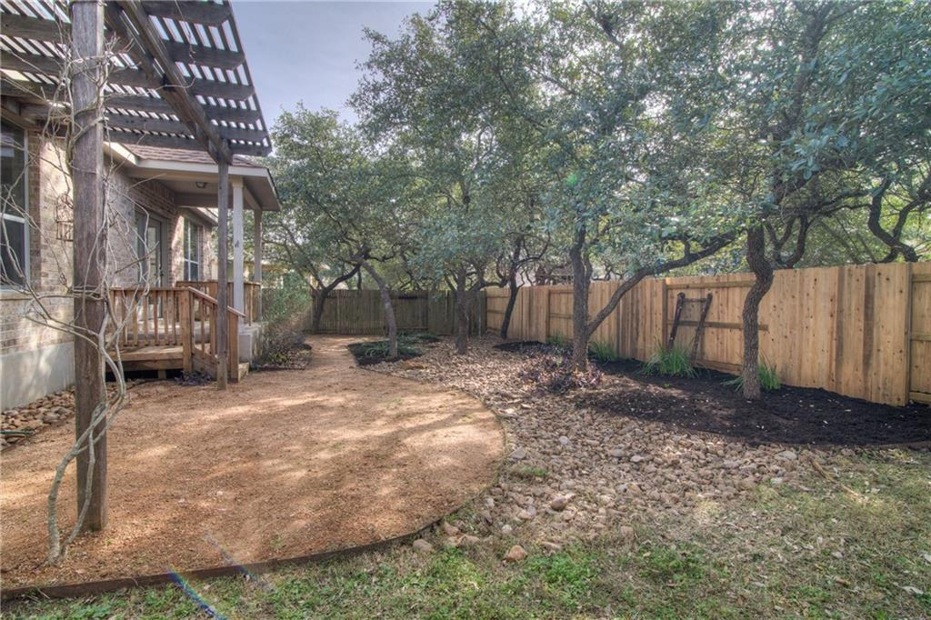 Closed | 8600 Alophia Drive Austin, TX 78739 27