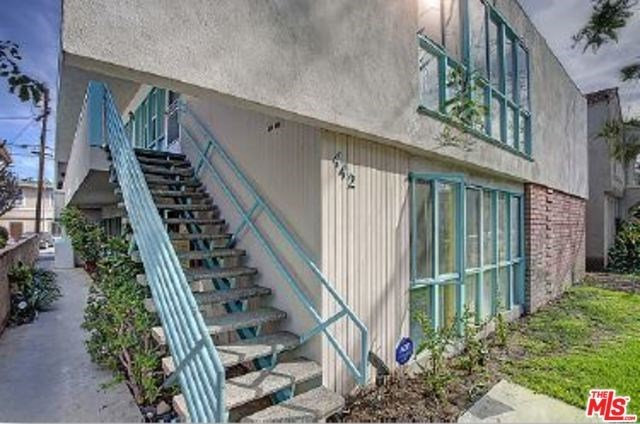 Off Market | 442 S OAKHURST Drive Beverly Hills, CA 90212 2