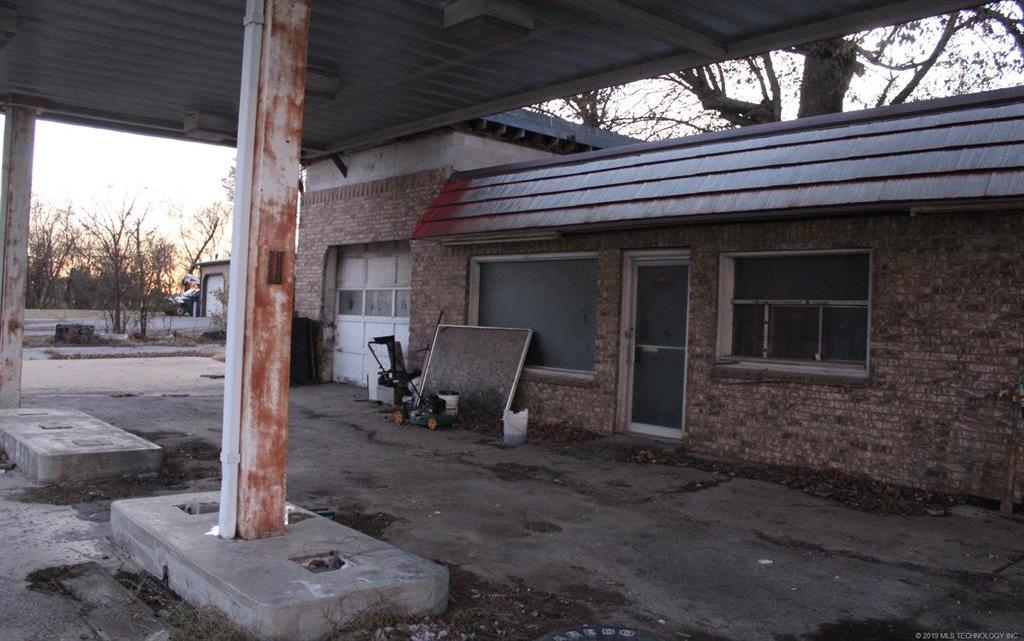 Off Market   202 S 5th Street Collinsville, Oklahoma 74021 7