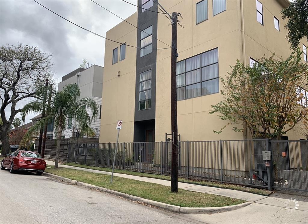 Pending | 4811 Chenevert St Street #5 Houston, TX 77004 30