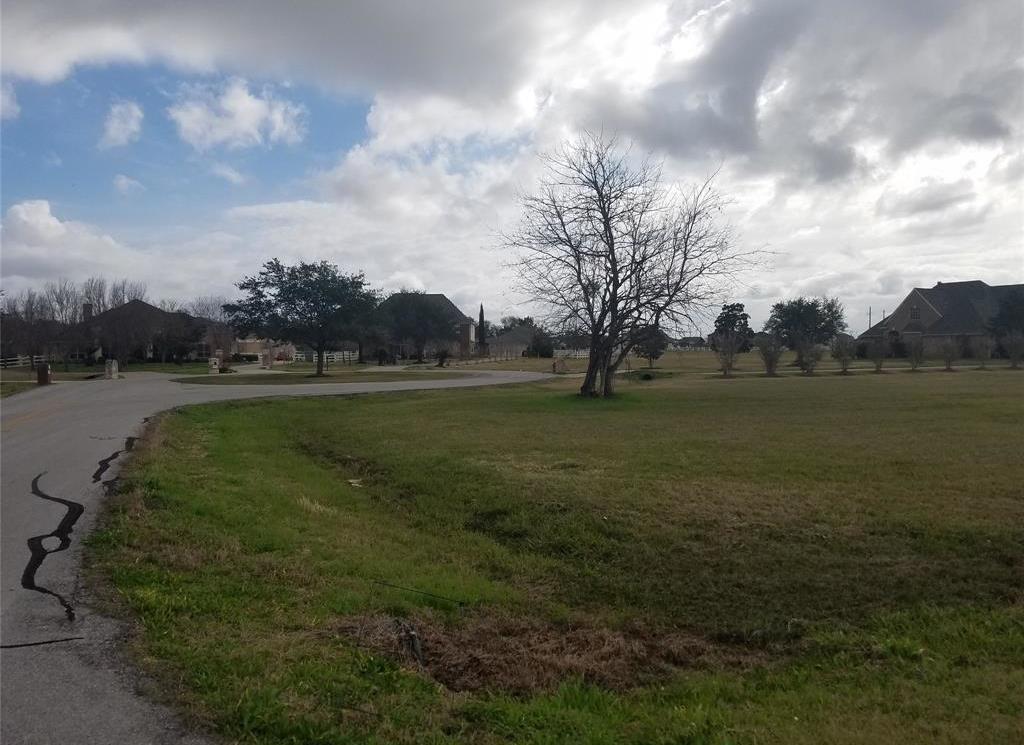 Active | 9902 Bridlewood Court Richmond, TX 77469 3