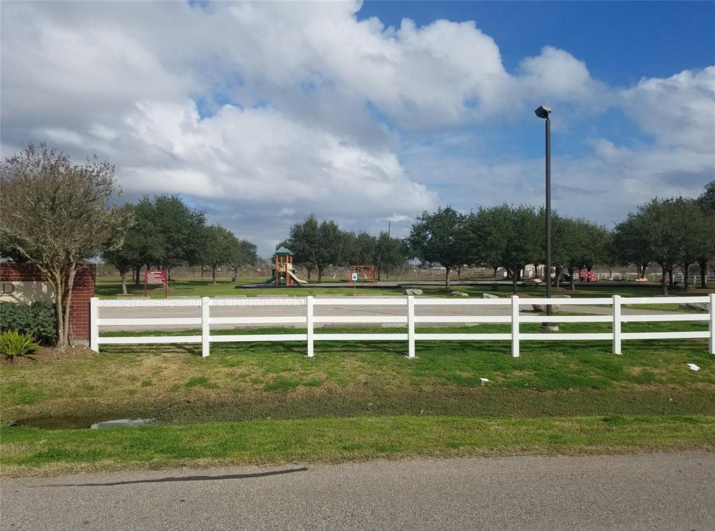 Active | 9902 Bridlewood Court Richmond, TX 77469 5