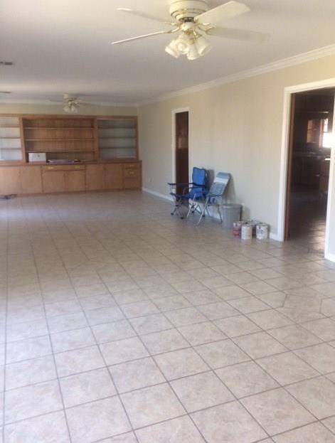 Active | 916 Meyer Street Sealy, Texas 77474 4