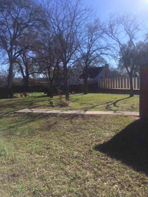 Active | 916 Meyer Street Sealy, Texas 77474 23