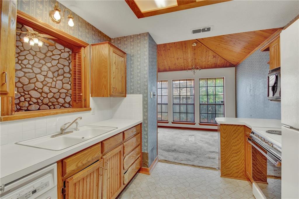 Sold Property | 4901 Arborgate Drive Arlington, Texas 76017 12