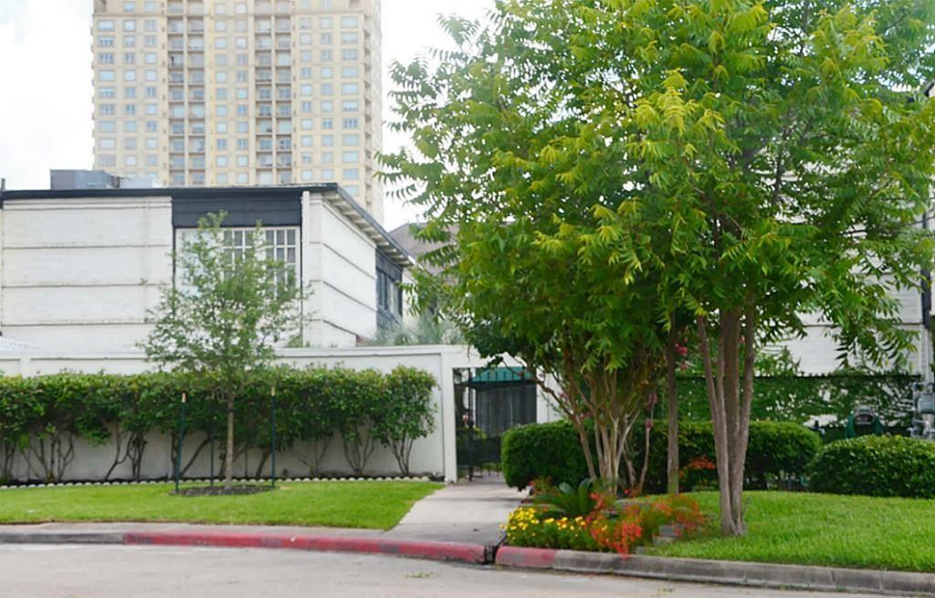 Active | 5107 Del Monte Drive #12 Houston, Texas 77056 1