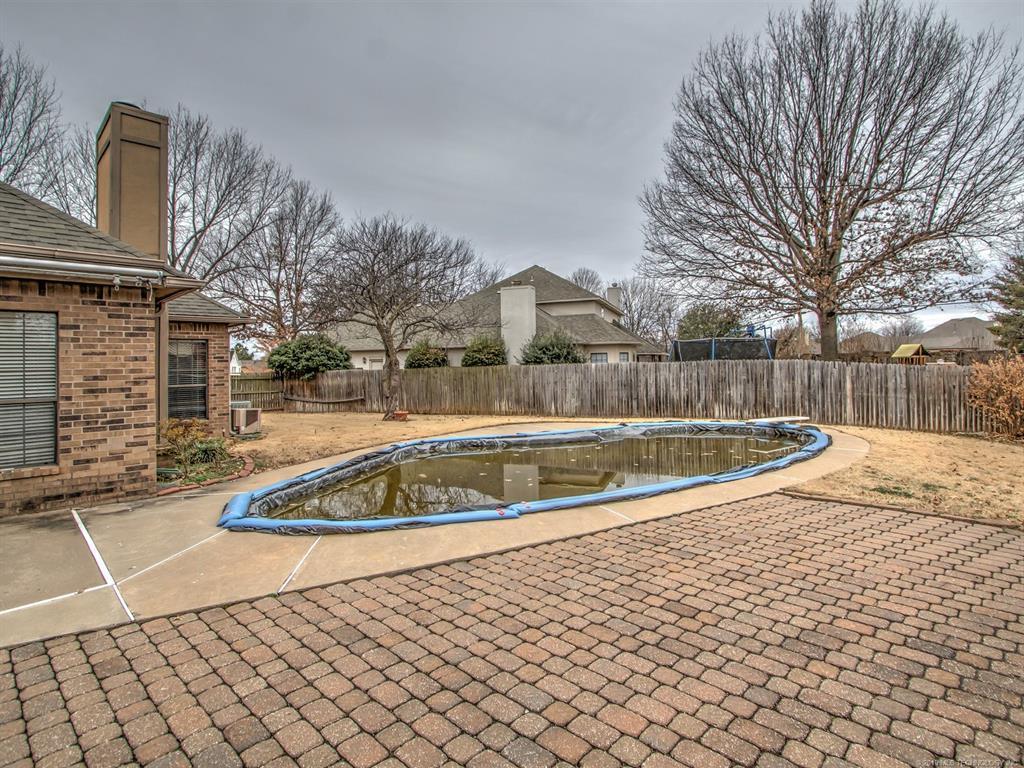 Off Market   5304 W Orlando Circle Broken Arrow, Oklahoma 74011 24