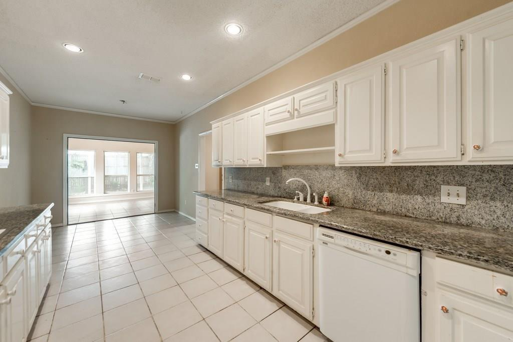 Sold Property | 6629 Meadows West  Drive Fort Worth, TX 76132 6