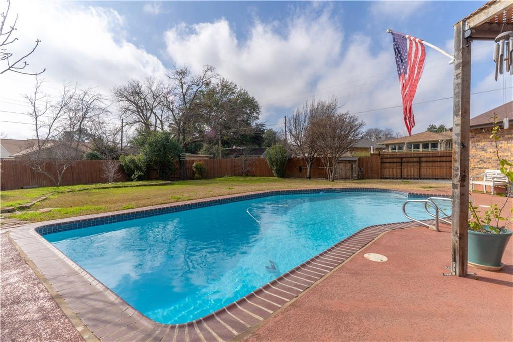 Sold Property | 3826 Eugene Court Irving, Texas 75062 4