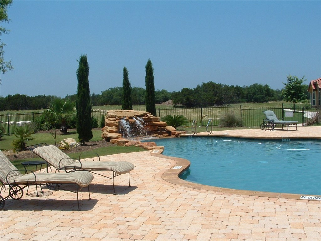 Active | 21122 Highland Lake Drive #2 Lago Vista, TX 78645 29