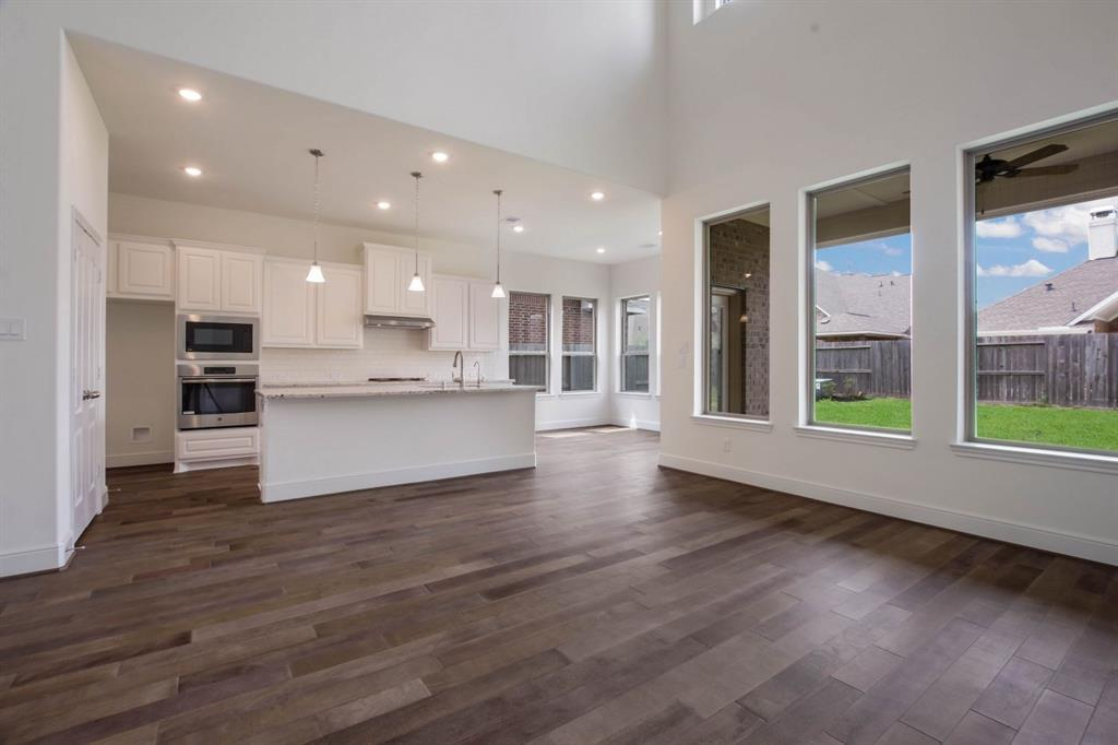 Pending | 10319 Mayberry Heights Drive Cypress, TX 77433 9