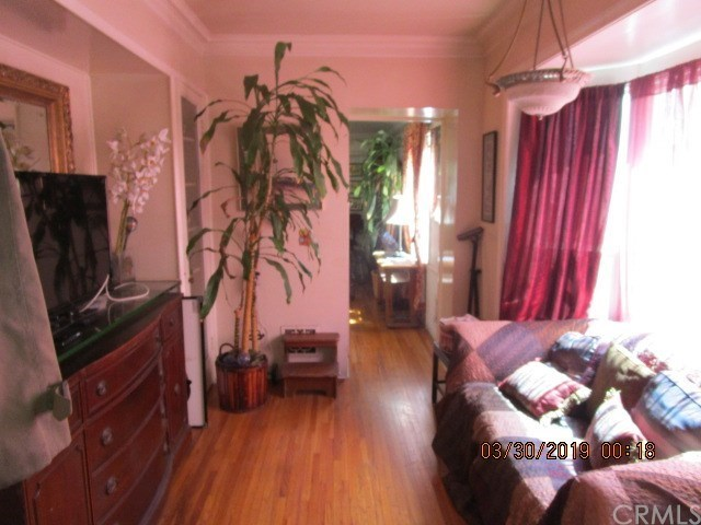 Active | 1902 W 37th Place Los Angeles, CA 90018 29