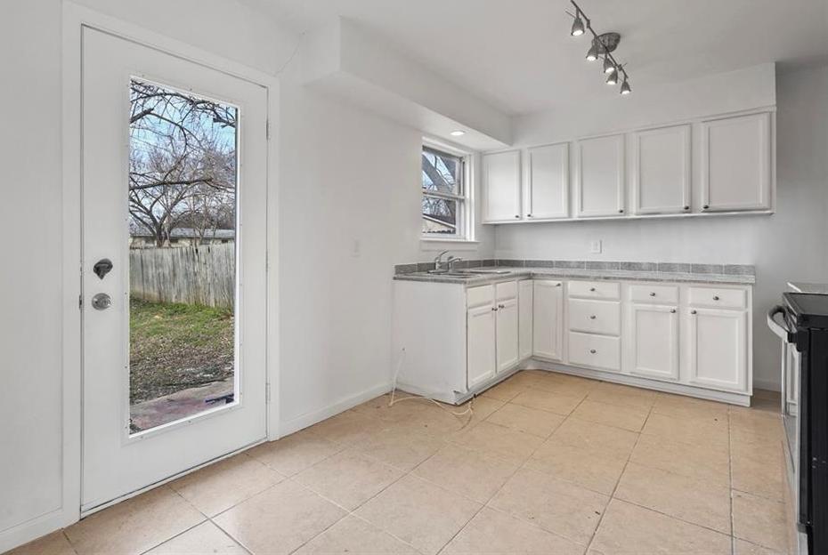 Sold Property | 3220 Hillglenn Road Dallas, Texas 75228 19