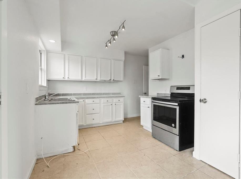 Sold Property | 3220 Hillglenn Road Dallas, Texas 75228 20