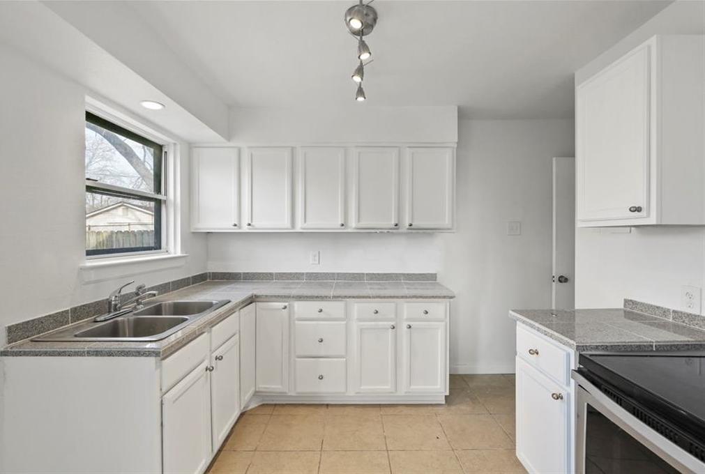 Sold Property | 3220 Hillglenn Road Dallas, Texas 75228 21