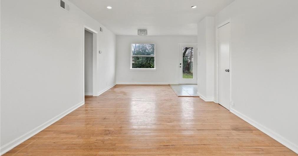 Sold Property | 3220 Hillglenn Road Dallas, Texas 75228 33