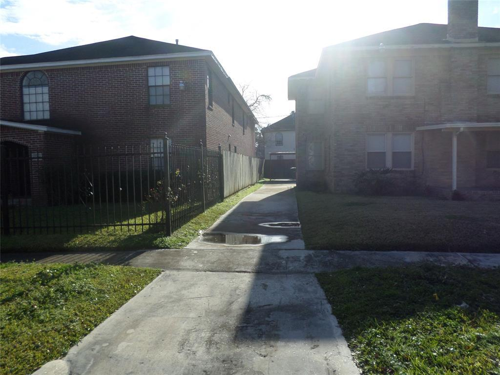 Active | 2622 Rosedale Street Houston, Texas 77004 3