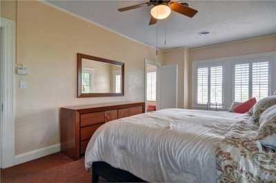 Active | 1300 Mistletoe Drive Fort Worth, Texas 76110 11