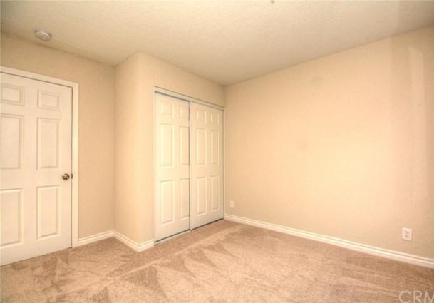 Closed   4045 Acre  Lane San Bernardino, CA 92407 39