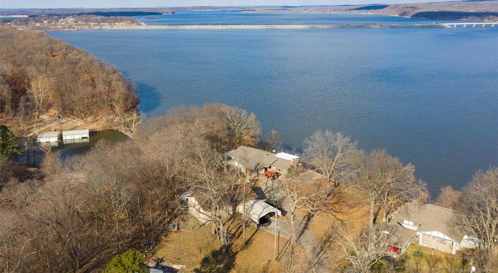 Lake homes on lake Hudson | 329 Big Bluff Road Pryor, Oklahoma 74361 2