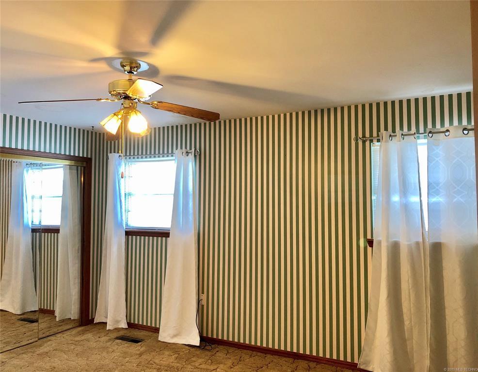 Lake homes on lake Hudson | 329 Big Bluff Road Pryor, Oklahoma 74361 14