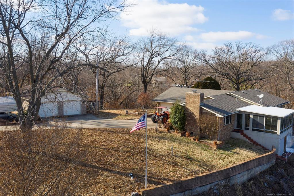 Lake homes on lake Hudson | 329 Big Bluff Road Pryor, Oklahoma 74361 4