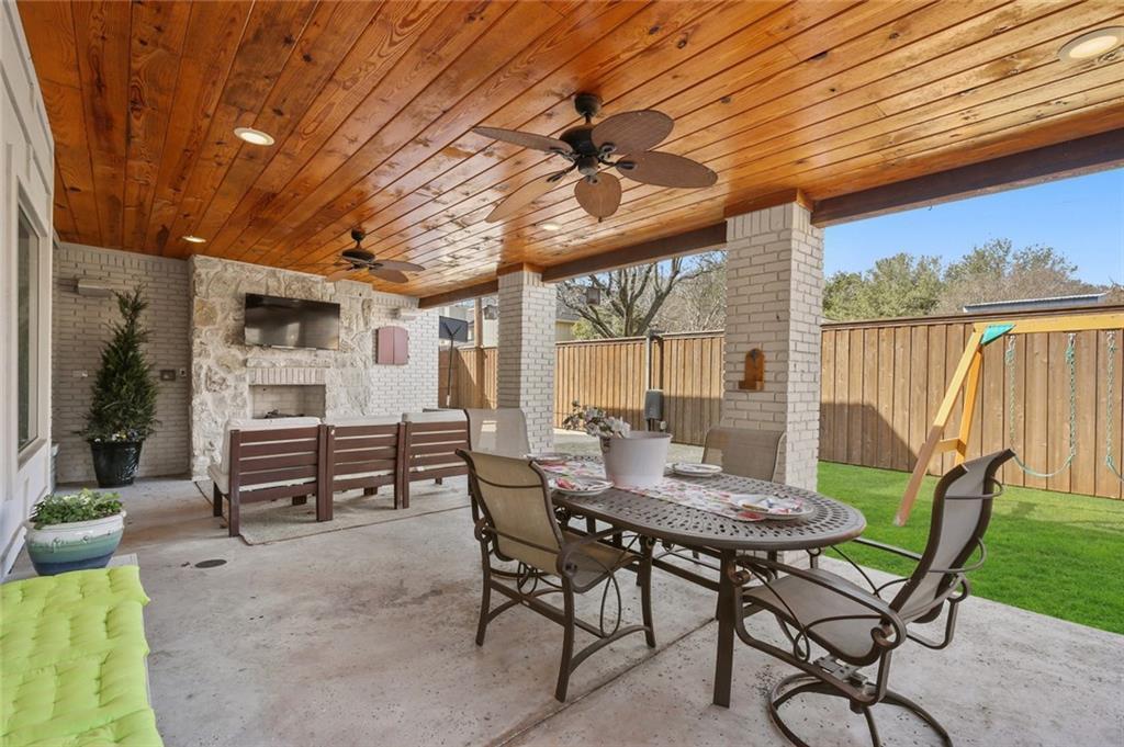 Pending   6923 Charade Drive Dallas, Texas 75214 26
