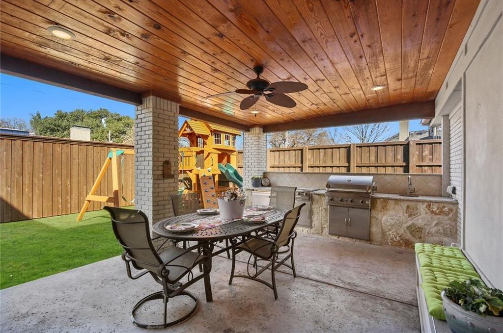 Pending   6923 Charade Drive Dallas, Texas 75214 27