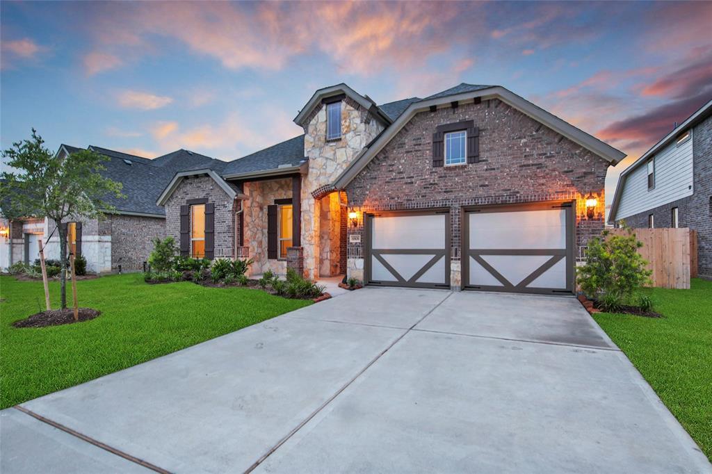 Off Market   6806 Regal Lakes Drive Katy, TX 77493 32