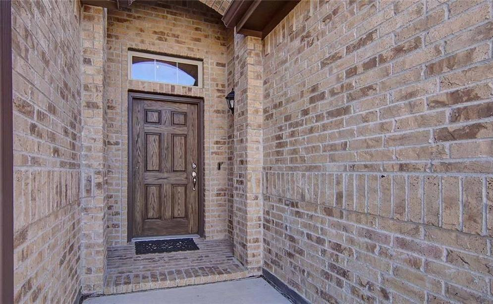 Leased | 613 Gold Bar Lane Fort Worth, Texas 76052 4